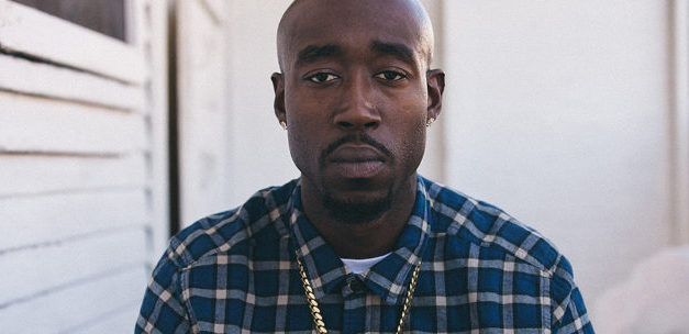"Freddie Gibbs goes in on ""NO PRBLMS Freestyle"""